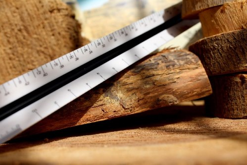 木材とものさし